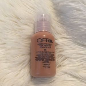 OFRA Absolute Cover Silk Peptide Foundation New 08